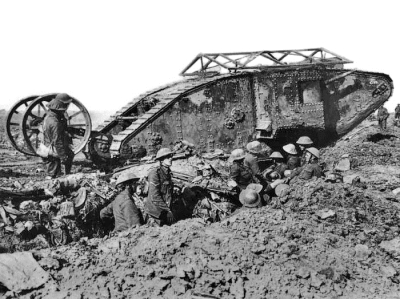 British_Mark_I_male_tank_Somme_25_September_1916_w400